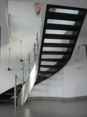 Nancys Railings and Staircase (2)